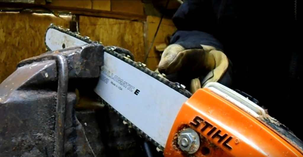 Sharpening a pole saw